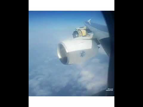 EMERGENCY Air France A380 Engine 4 COWLING BLOWN AWAY