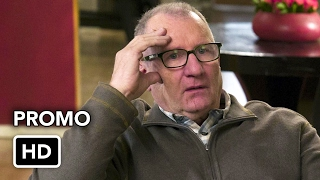 """Modern Family 8x13 Promo """"Do It Yourself"""" (HD) ft. Peyton Manning"""