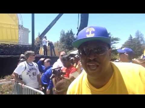 Bleacher Dave On Warriors At Warriors Parade Rally Oakland - Zennie62