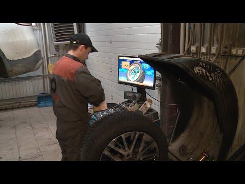 Для новоуренгойских водителей настала пора «переобуть» автомобиль в зимнюю резину