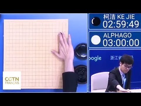 """Le programme de Google """"Alphago"""" affronte le joueur de Go Ke Jie"""