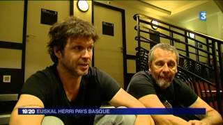 Video France 3 Aquitaine / Bertrand Cantat et Pascal Humbert parle de Willis Drummond download MP3, 3GP, MP4, WEBM, AVI, FLV November 2017