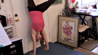 Handstand/Cartwheel Tips For Beginners Gymnastics Lesson!