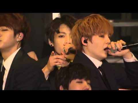 BTS Blanket Kick Live
