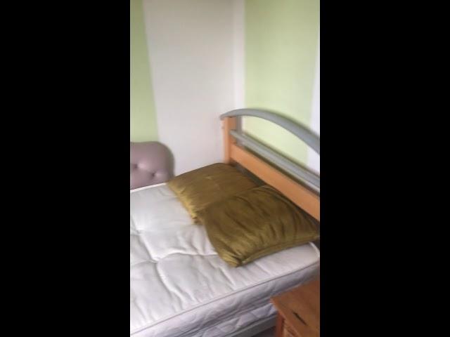 Double Room in Quiet House (Bills Inc) Main Photo
