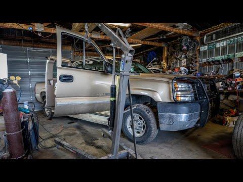 How To Fix 1999-2007 Chevy & GMC Door Hinges / Low Cost Repair For Cracked And Bent Door Hinge Ep.19