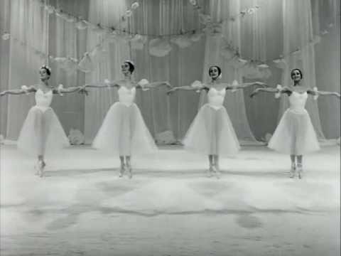GRAND PAS DE QUATRE (Kovaleva-Komleva-Yevteyeva-Galinskaya, 1968) - 1 of 2