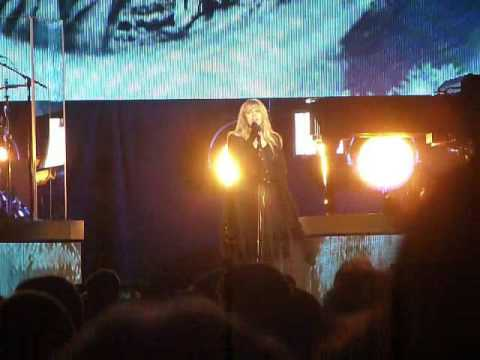 "Stevie Nicks ""Rhiannon"" (24k Gold Tour Live in Memphis, TN on 03-08-2017 at FedEx Forum)"