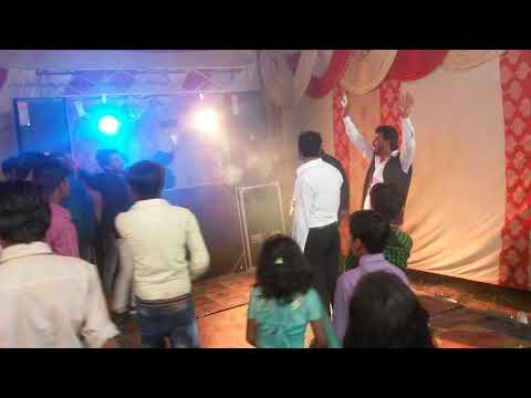 Singer Narender chachal....Do ghunt pila de sakiya.... Full enjoy dance