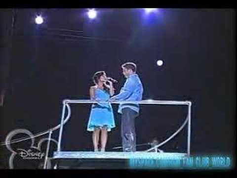 HSM:The Concert-What I've Been Looking For(Mexico)V&Drew