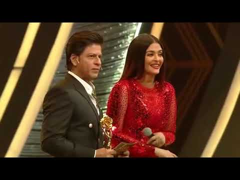 Lux golden rose awards 2018 Aiswariya and shahrukh funny moment