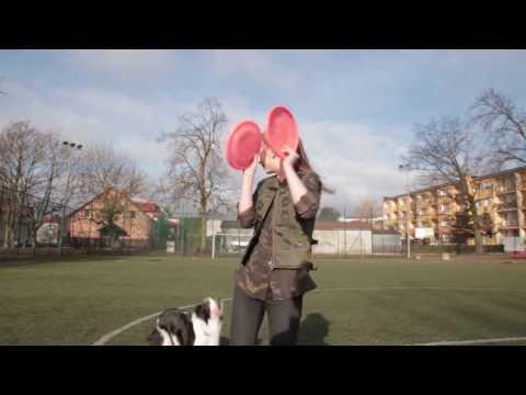 Dogfrisbee training - Alicja & Wena