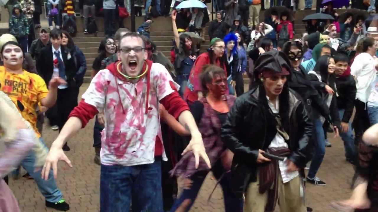 Thriller Zombie Dance   www.pixshark.com - 95.0KB