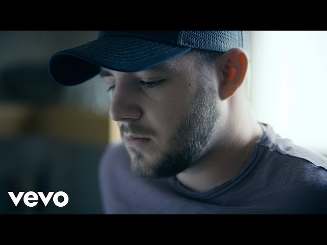 Kameron Marlowe - Giving You Up (Official Video)