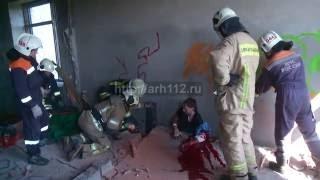 В пятиэтажке под Архангельском рабочего придавило рухнувшей стеной