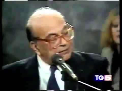 Storico video di Craxi al processo Cusani