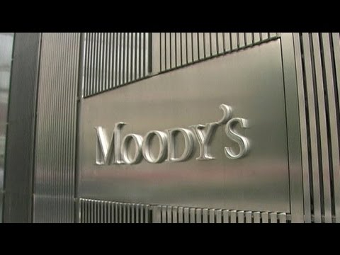 Eight Greek banks downgraded by Moody's