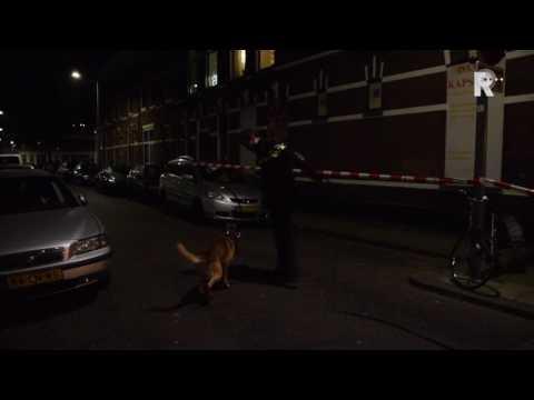 Vrouw gewond bij steekpartij aan de Rotterdamse Zaagmolenstraat (Video: Duivesteijn)