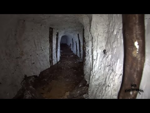 Forgotten WW2 Underground Hospital Tunnel Complex (Bunker & Tunnel Exploring)