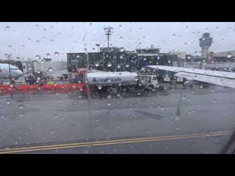 United A320 takeoff from New York LGA