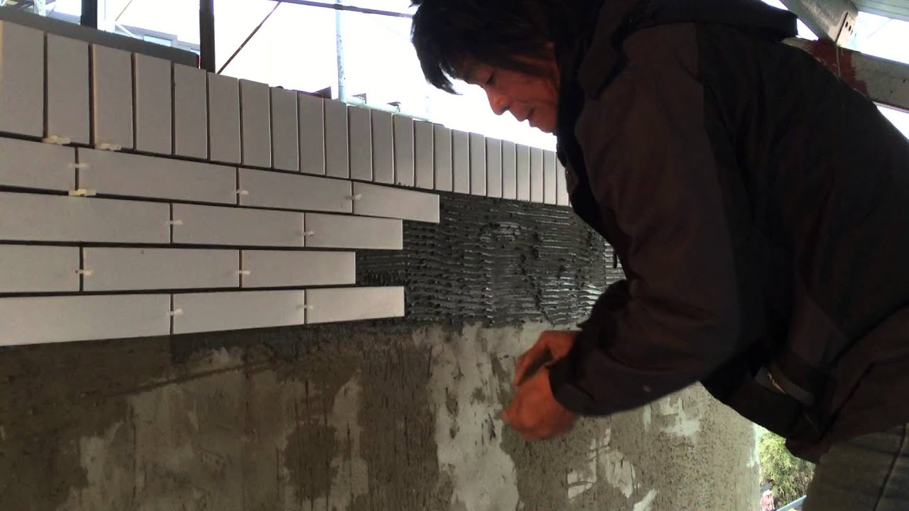 subway tile installation on 3f outside brick walls part 2 左官