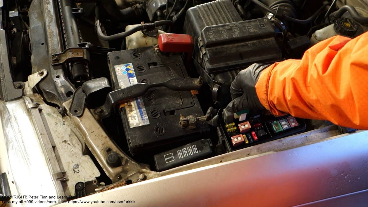 engine radiator fan relay location toyota corolla years 1990 to 2001 [ 1280 x 720 Pixel ]