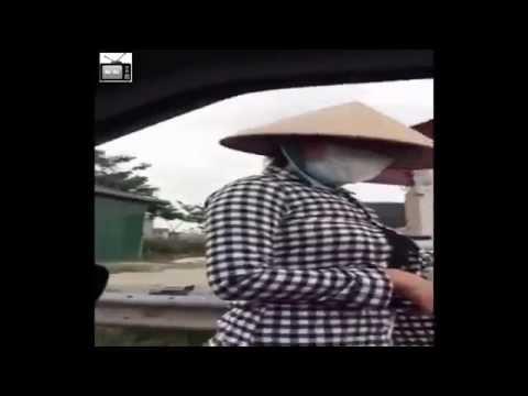 Lái xe hút hầm cầu bình dương mặc cả bánh Mỳ -Cười rách miệng