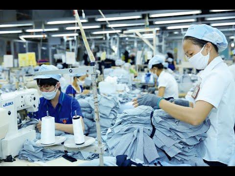 Dệt may, da giày gặp khó khi đối tác từ EU, Mỹ ngưng nhập hàng| VTV24