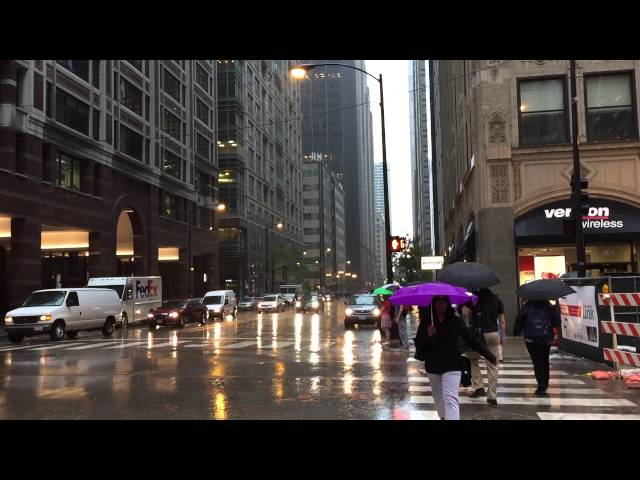 Creepy Tornado Sirens Going Off in Downtown Chicago 06-15-2015