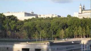 Madrid, Spain: Walking along the river -  Un paseo por Madrid Rio