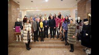 Команда в мехах «Динамо-Казань» получает подарки от спонсоров