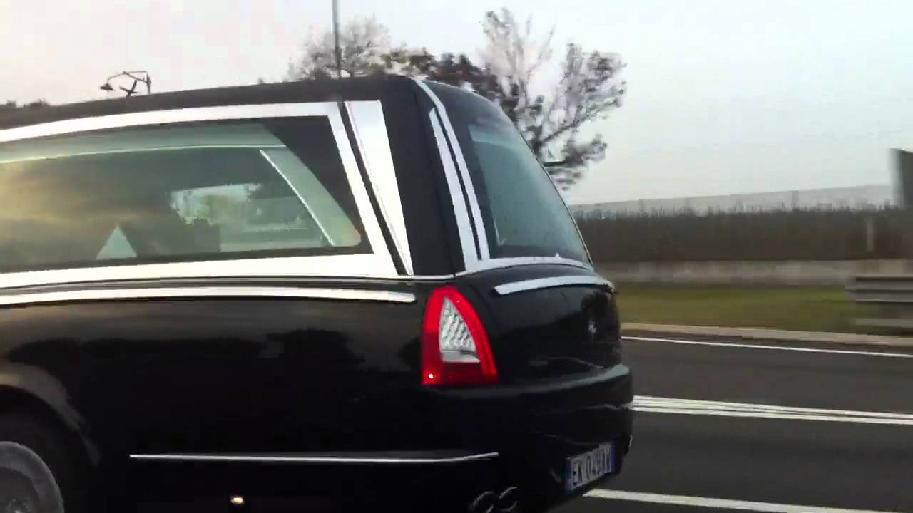 Maserati Granturismo Mc >> Carro Funebre Maserati - YouTube