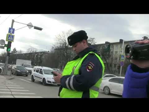 г.Краснодар сотрудник ДПС нарушает ПДД, приехали писать заявление в ГИБДД