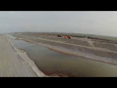 Reinforcing the Dutch coastline