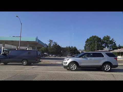 Driving from Oyster Bay to Roslyn in Nassau,New York