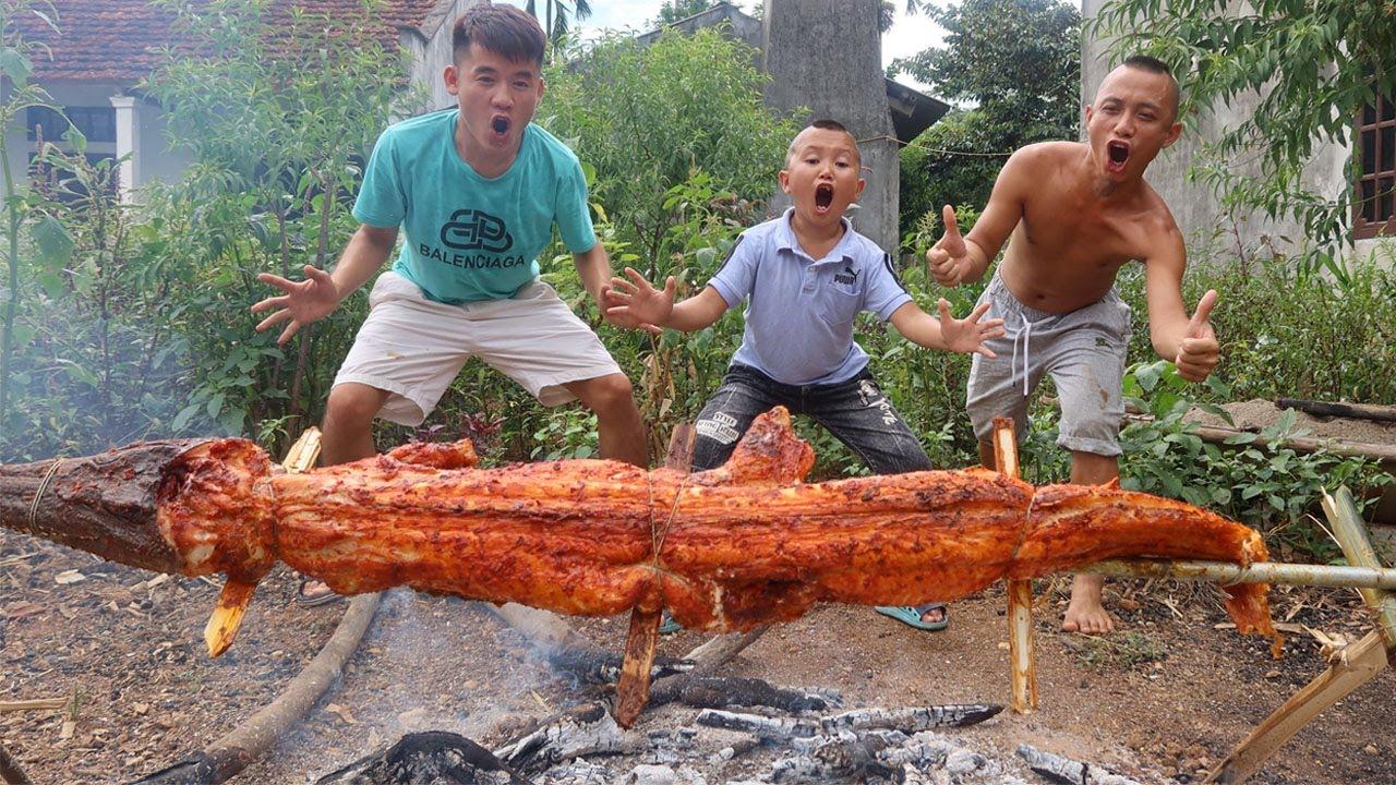 Hưng Vlog - Lần Đầu Ăn Cá Sấu Nướng Siêu Cay Khổng Lồ Của Tam Mao TV