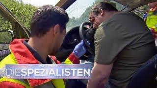Schwerer Verkehrsunfall: Plätzetausch während der Fahrt? | Auf Streife - Die Spezialisten | SAT.1 TV
