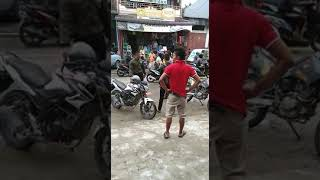 VIRALL!!! TNI BERKELAHI DENGAN POLISI 2 LAWAN 1 !!! TERBUKTI TNI MENTAL BAJA!!!