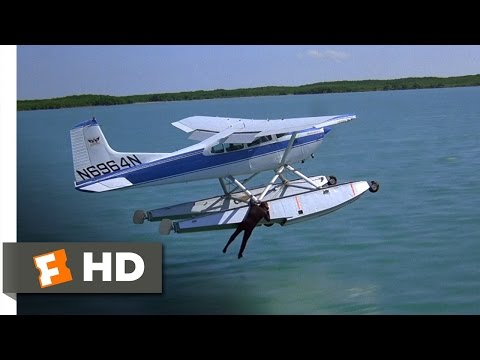Licence to Kill (3/10) Movie CLIP - From Sea to Sky (1989) HD
