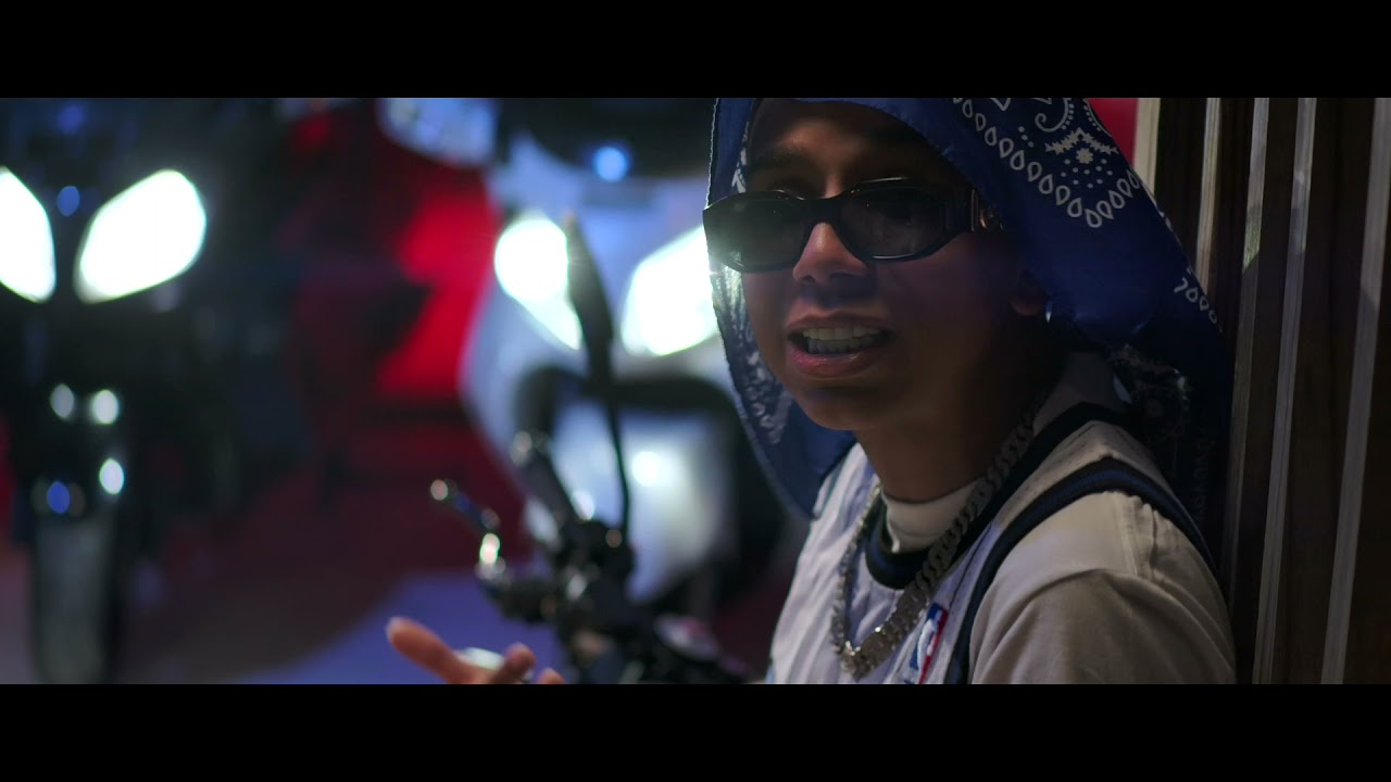 Download Kelly Bryant - Puff puff (OFFICIAL VIDEO)