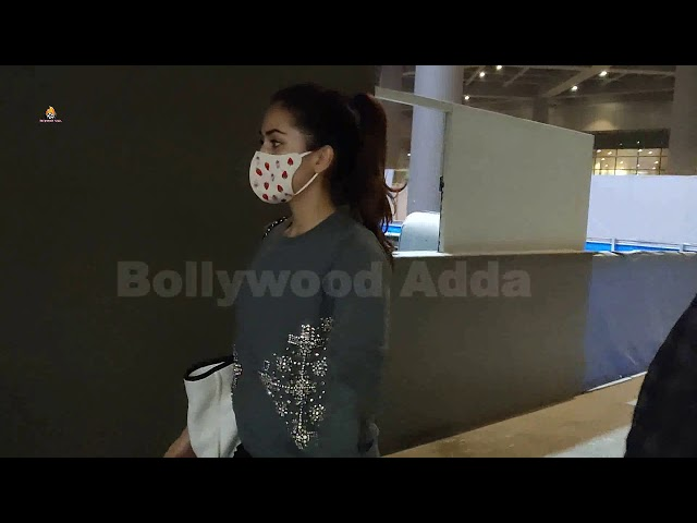 Mira kapoor spotted at airport arrival
