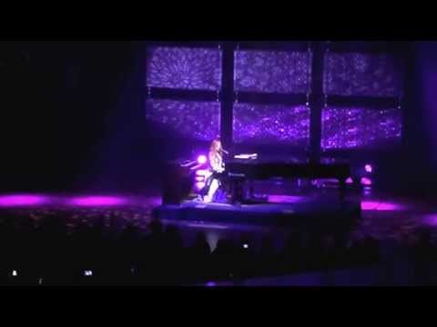 Tori Amos, Unrepentant Geraldine, Symphony Hall, Birmingham, 12/5/14, Cornflake Girl.