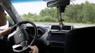 Отец учит сына водить машину.(Сегодня я решил поучить своего сына водить машину. Теоретическими знаниями он уже обладает, и вот сегодня..., 2016-06-05T10:29:40.000Z)