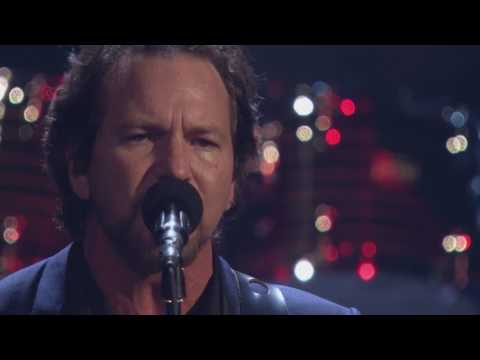 2017 Rock Hall Inductees Pearl Jam Perform Better Man