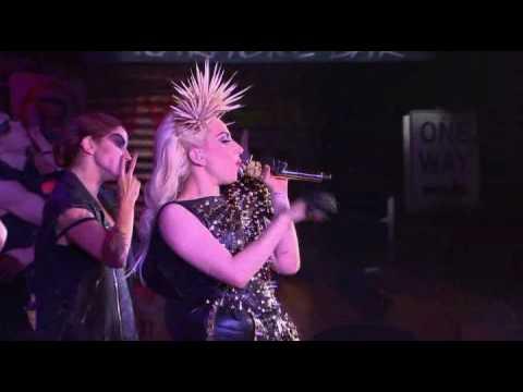 Lady GaGa - Live Monster/Bad Romance/Speechless Oprah HQ/HD