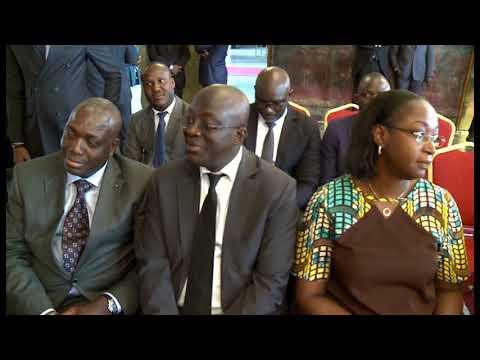 #Football: arrivée du trophée de la coupe du monde à Abidjan - le Résumé