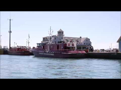 Lake Michigan and Chicago River Boat Cruise