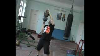 65 кг напопа. The heaviest stacked bottom up press ever with a regulation size kettlebells - 65kg
