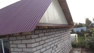 видео Отделка фронтона крыши