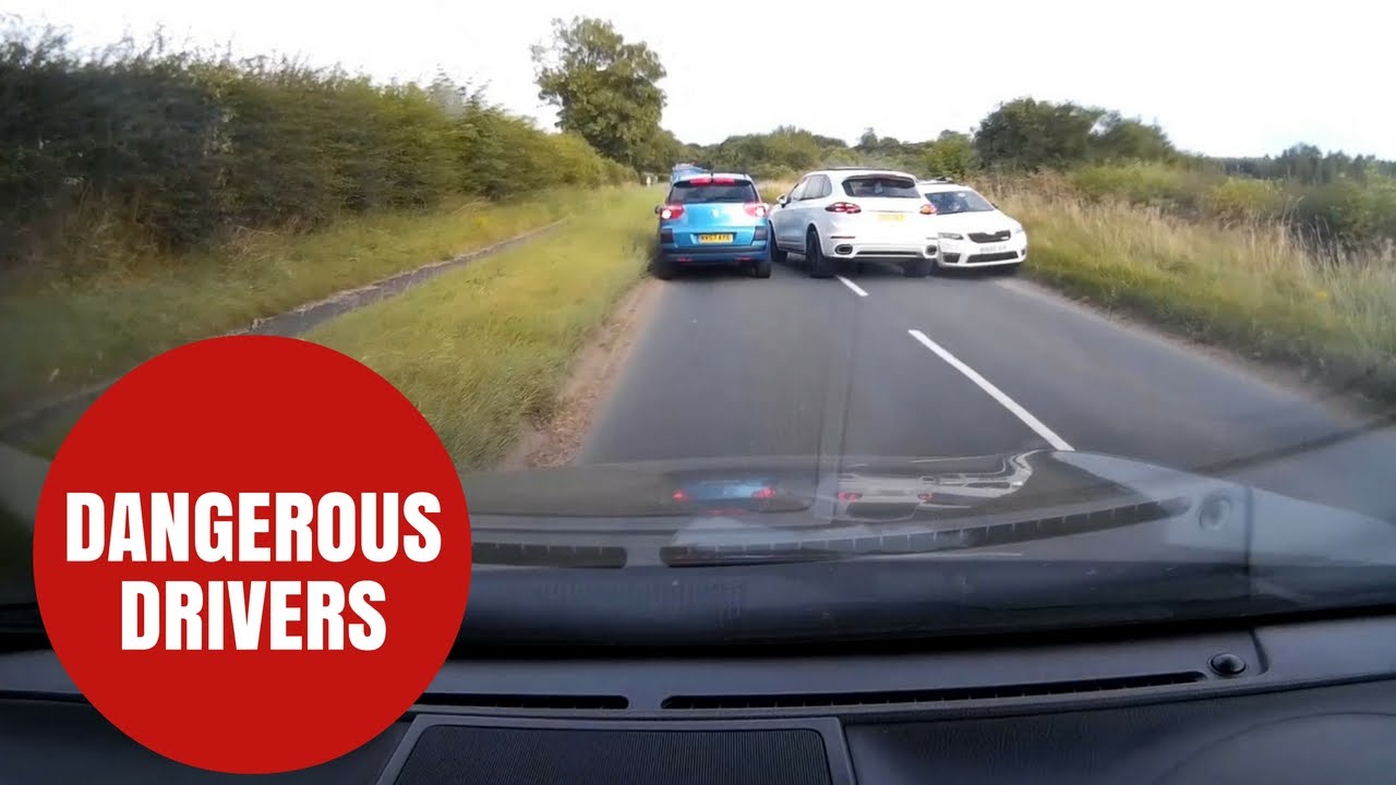 10 Dangerous Driving Habits – Why You Should Avoid Them